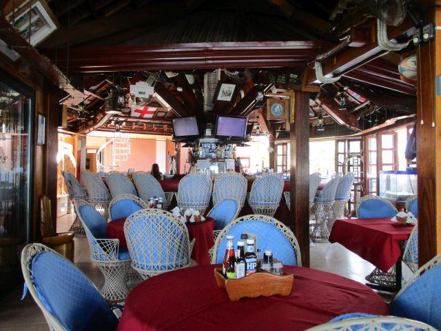 パームツリーリゾートの2Fのレストラン&バー