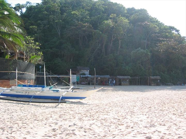 ボラカイ島のプカシェルビーチの様子(2)