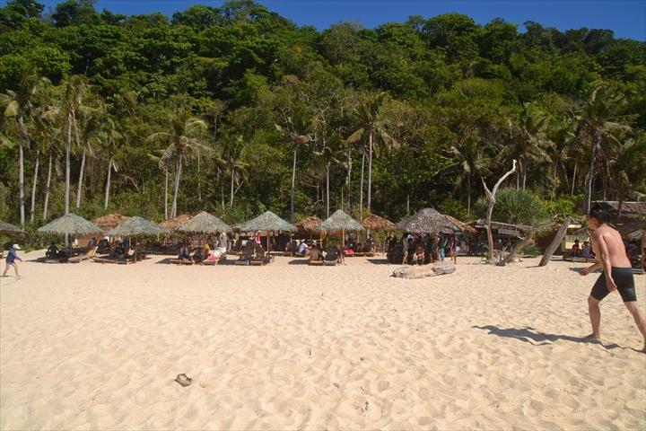 2016年5月:ボラカイ島のプカシェルビーチの様子(3)