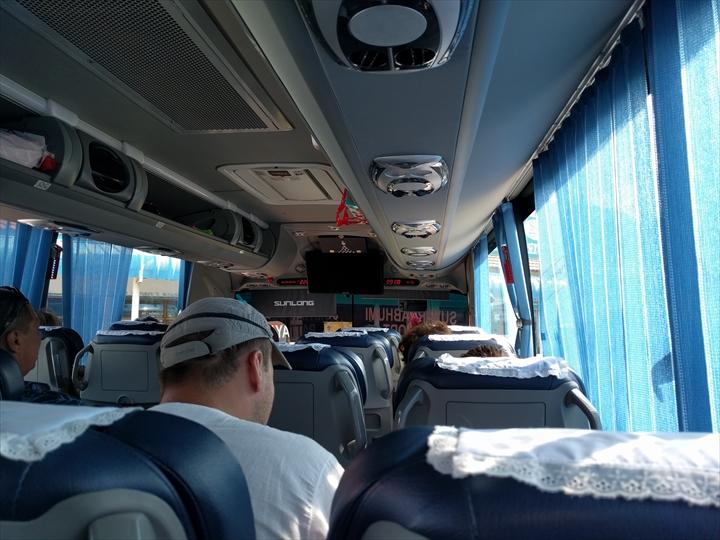 エアポートパタヤバスの車中の様子(1)