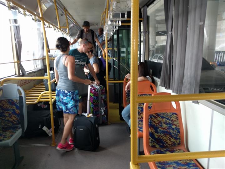 スワンナプーム⇔ドンムアン間のシャトルバス(車内2)