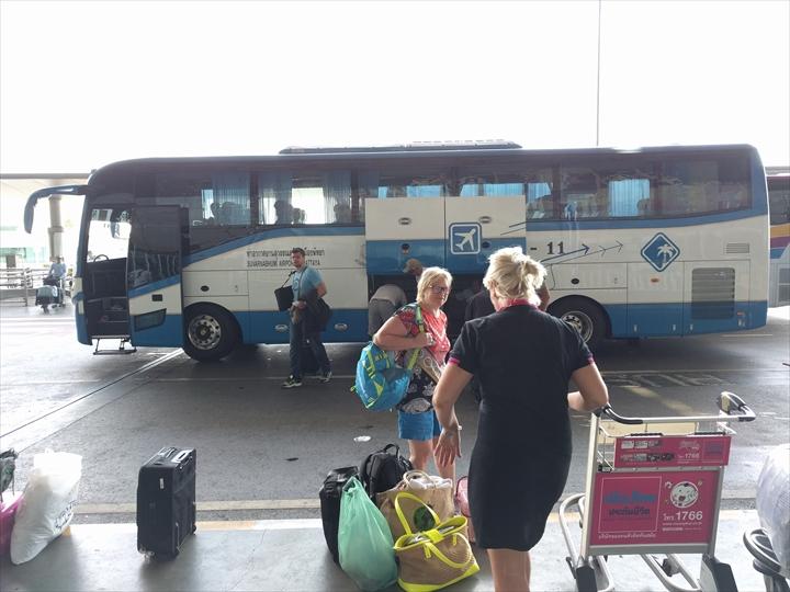 パタヤからスワンナプーム国際空港までバスで行く(空港へ到着)