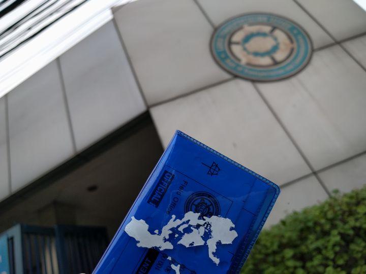 フィリピンで免許証の更新手続きをした
