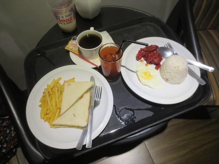 950コンドテル(ルームサービスで朝食)