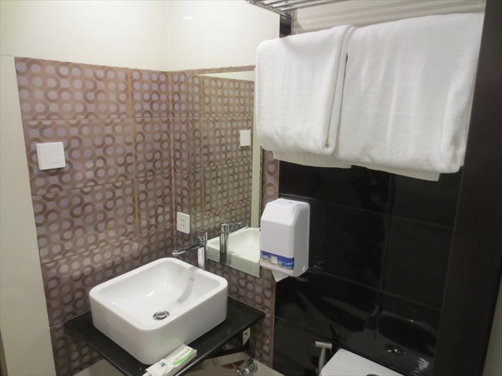 ユーロテル ヴィヴァルディ(洗面&シャワー)