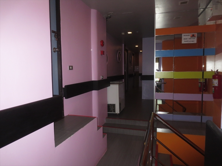 ヘブン アット 4 ホテル(廊下)