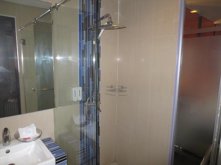 ヘブン アット 4 ホテル(シャワー)