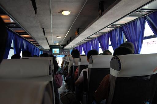 フィリピンラビットの車内の様子