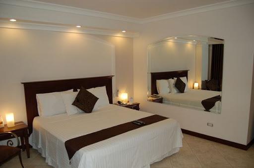 アンヘレスのバレンチノホテル - キングサイズベット