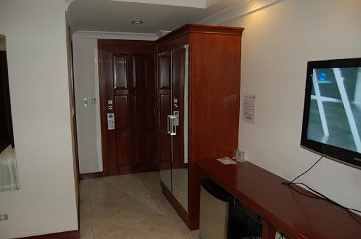 アンヘレスのバレンチノホテル - ドア側