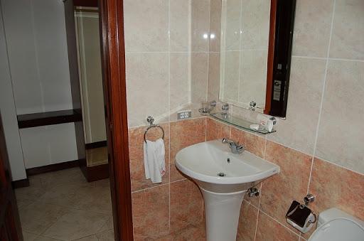 アンヘレスのバレンチノホテル - 洗面所