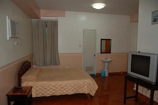 ダバオのマイホテルのスイートルームの様子(1)