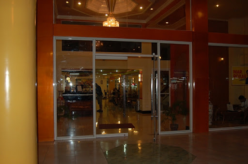 マイホテルの玄関