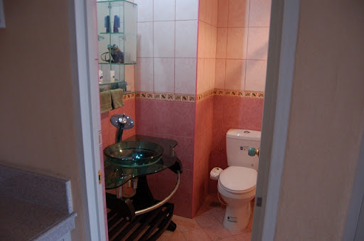 フィル関西 - VIPルーム(洗面所とトイレ)