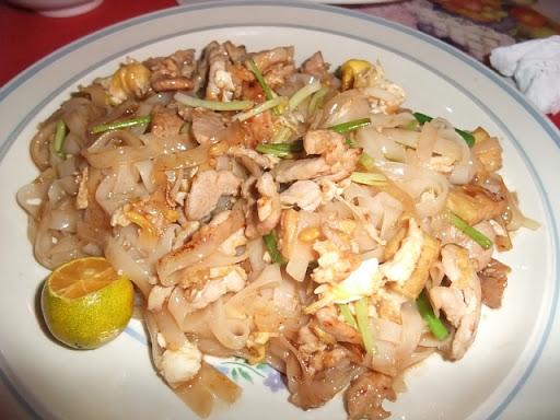 タイバーツレストラン - パッタイ(Phad Thai:P150/P200)