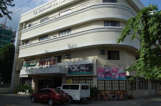 ディプロマット ホテル - ホテル外観