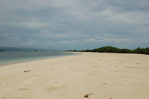 ホンダベイアイランドホッピング - きれいな砂浜