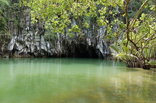 アンダーグラウンドリバー - 洞窟入り口