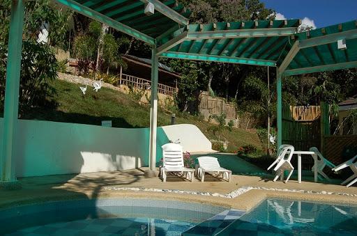 Hilltop View Resort - プールは泳げるほどではありません。