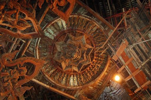 ザ・サンクチュアリオブトゥルース - 天井の装飾