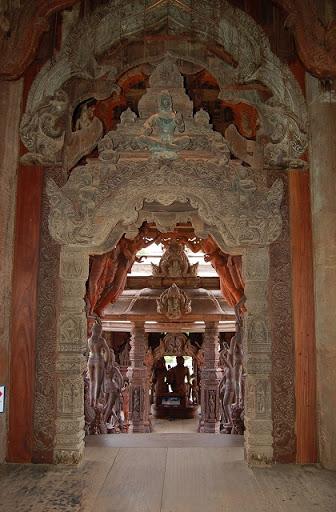 サンクチュアリオブトゥルース - 内部の装飾(2)