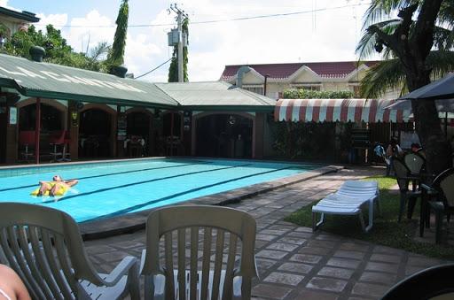競泳プール風のオーキッドホテルのプール