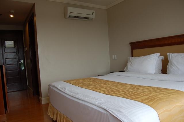 サバンナリゾート - ベットと部屋の様子(1)