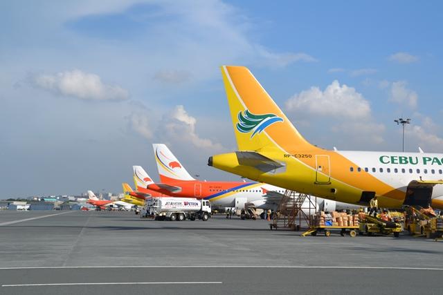 ダバオ行きのマニラ空港にて