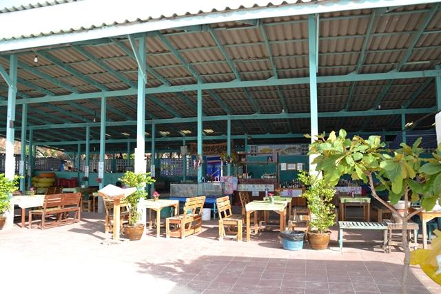 トンランビーチ - 海の家風なレストラン
