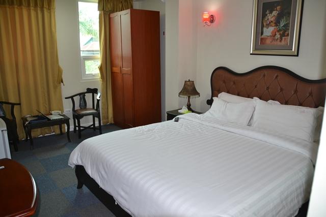 ギャラクシーホテル - ベッド周辺