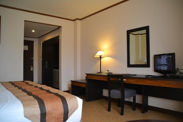 HOTEL Tropika - ドア