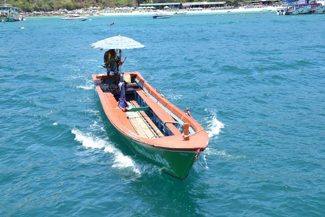 パタヤ・ラン島 - トンランビーチへの乗り換え船