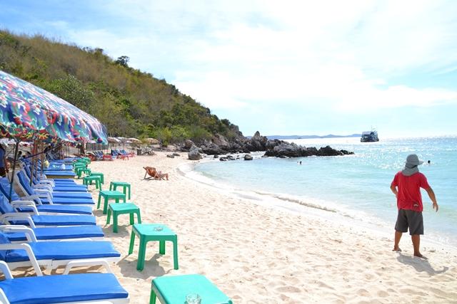 ターヤイビーチ - ビーチの左側