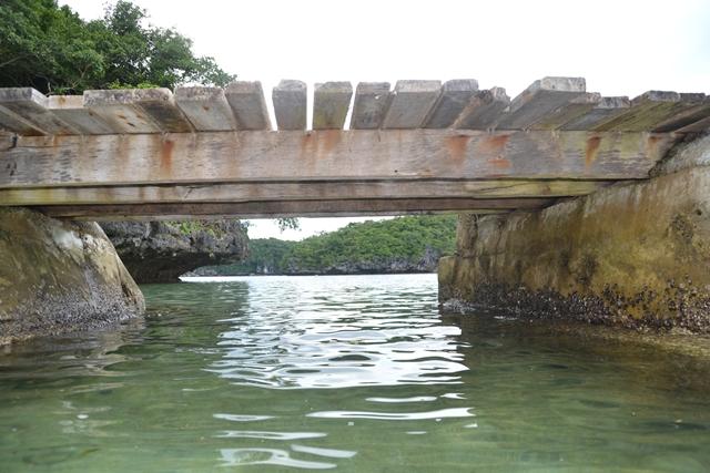 ハンドレッドアイランド - チルドレン島の桟橋下