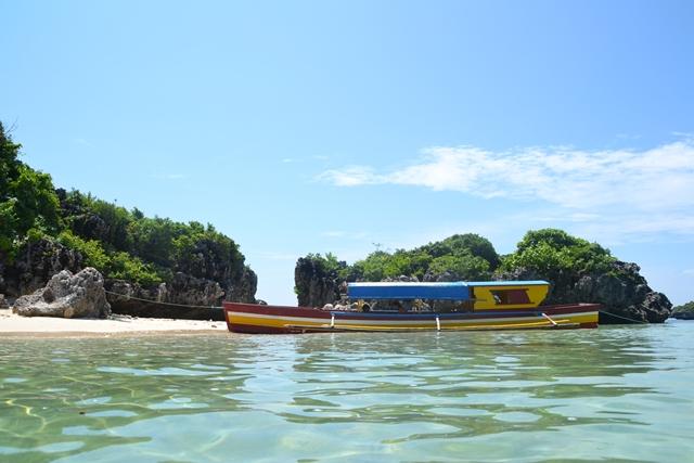 ハンドレッドアイランド - ロペス島とバンカーボート