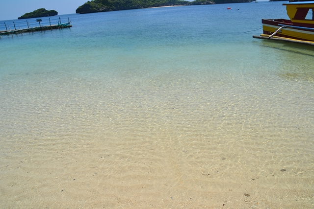 ハンドレッドアイランド - ケソン島のビーチの様子