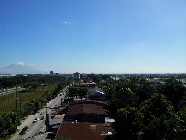 TUNE HOTEL ANGELES 7F からの眺め(1)