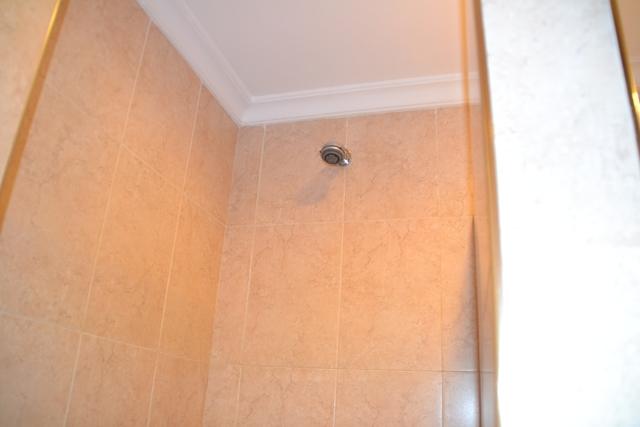 ABCホテル - シャワー