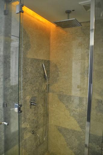 ペントハウスホテル - シャワー