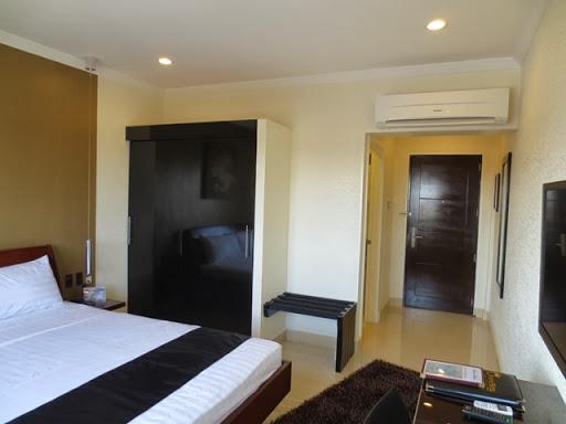 クィーンズホテル アンヘレス - 部屋の様子(2)