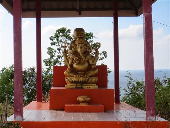 タイでよく見かける像