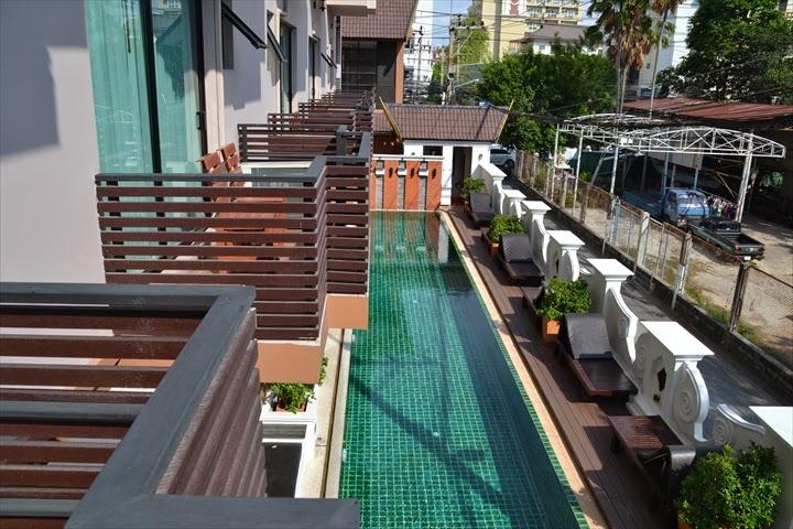 パタヤのメイタラ・ホテルのプール