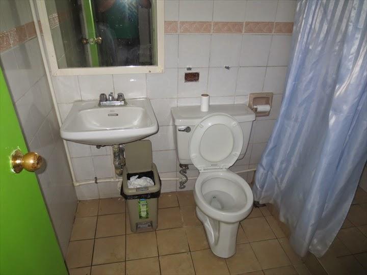 ワンダラーゲストハウス - 共同トイレ&シャワー