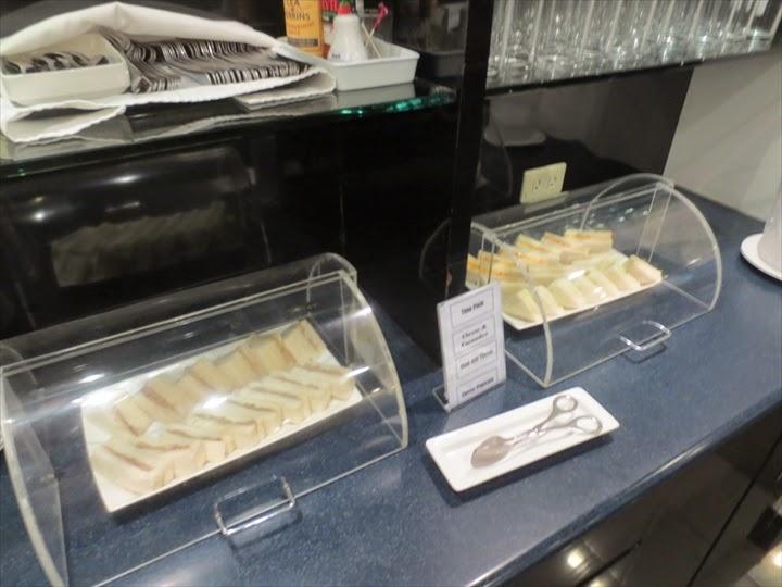 マニラのターミナル1のプライオリティパスが使えるラウンジのサンドイッチ