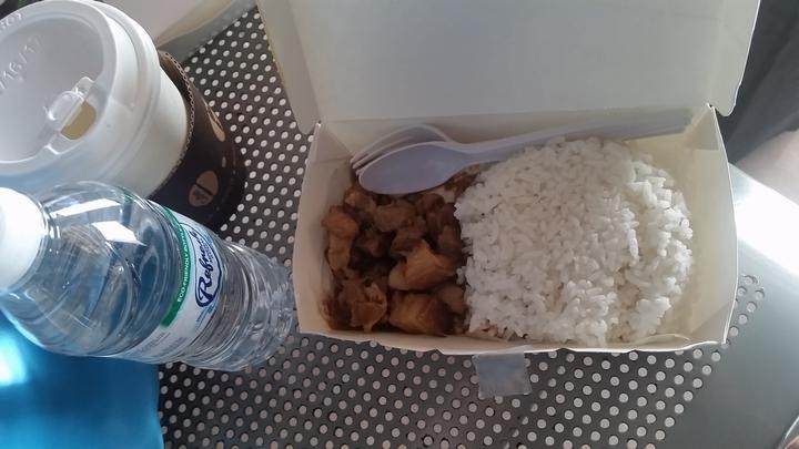 セブパシフィックの遅延で提供された食事