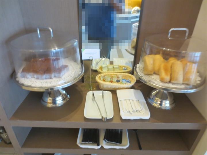 スカイビューラウンジのパン&ケーキ
