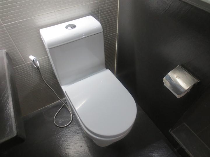 アットザパッドホテルのトイレ