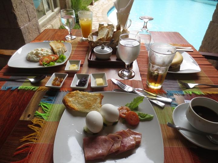 コートデルマーホテル - 朝食