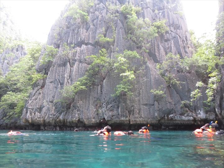 ツィンラグーン - パラワン・コロン(泳いで潜った側3)