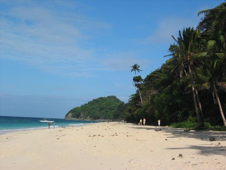 2006年2月:ボラカイ島のプカシェルビーチの様子(5)